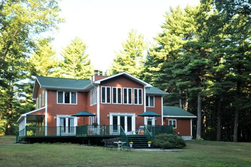 Bass Manor Bed and Breakfast & Art Museum Cover Picture