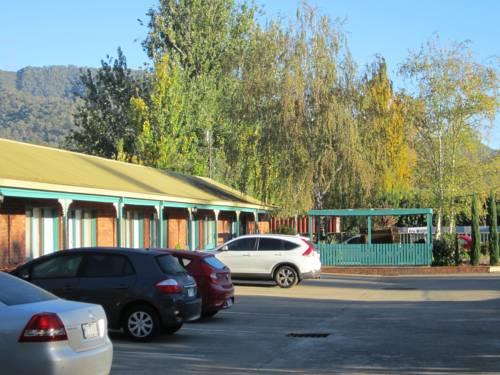 Snowgum Motel Cover Picture