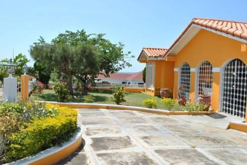 La Hacienda Cover Picture
