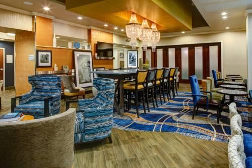Hampton Inn and Suites Columbus, MS Cover Picture
