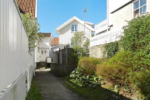 Two-Bedroom Holiday home in Grundsund 2 Cover Picture