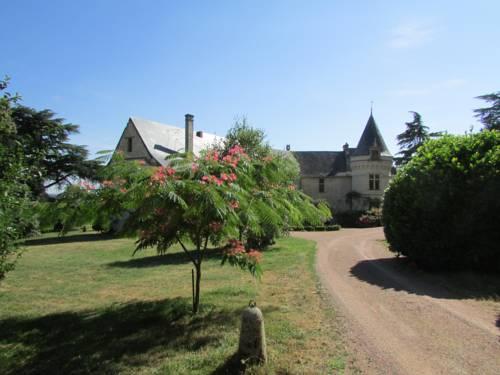 Château de la Roche Martel Cover Picture