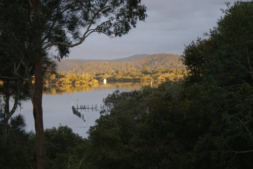 Blue Gum Cottage on Bay Cover Picture