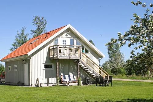 Holiday home in Romelanda Cover Picture