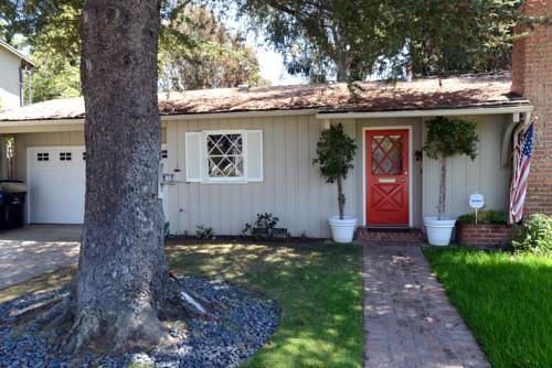 Pacific Palisades Retreat Cover Picture