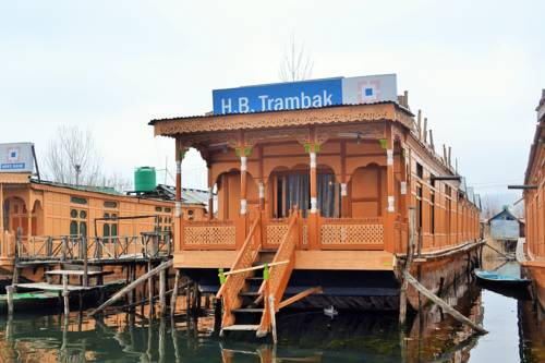 Trambak Houseboat Cover Picture
