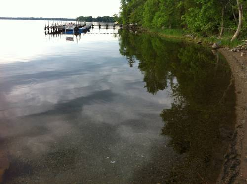 Lake Dalrymple Resort Cover Picture