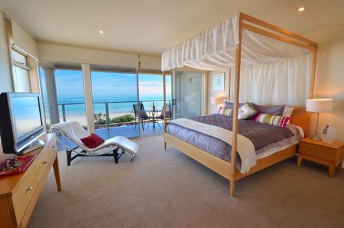 Adelaide Luxury Beach House Cover Picture