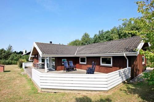 Four-Bedroom Holiday home in Humble 1 Cover Picture
