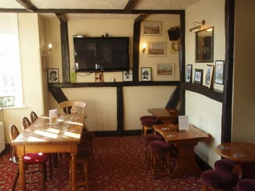 Mucky Duck Inn Cover Picture