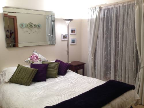 Mornington Cherry Blossom Bedsit Cover Picture