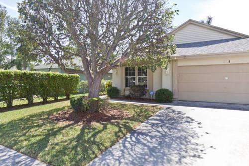 Cozy Single Family Home in Boynton Beach, FL Cover Picture