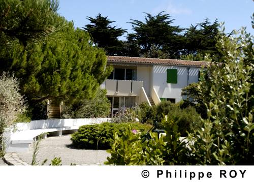 VVF Villages Ars-En-Re Cover Picture