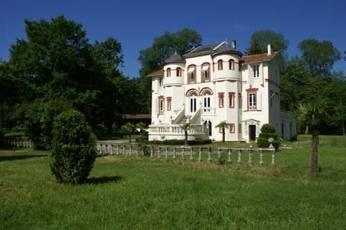 Château Barbé Cover Picture