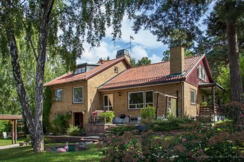 Villa Berkle Cover Picture