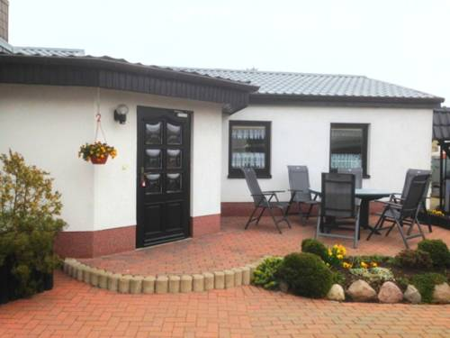 Bungalow mit Kamin in Ribnitz-Damgarten Cover Picture