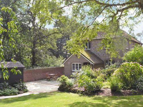 1 Tanhurst Cottage Cover Picture