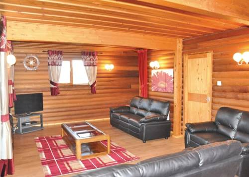 Penllwyn Lodges Cover Picture