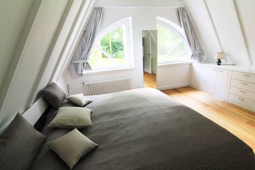 Villa EMG Cover Picture