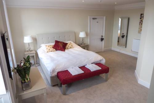 Broadway House Luxury Serviced Rooms Cover Picture