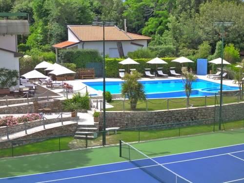 Hotel Bristol Cover Picture