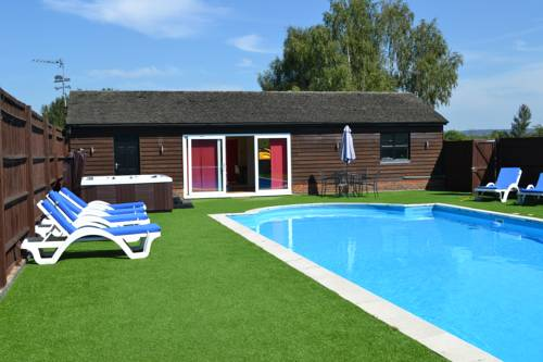 The Pool House @ Upper Farm Henton Cover Picture