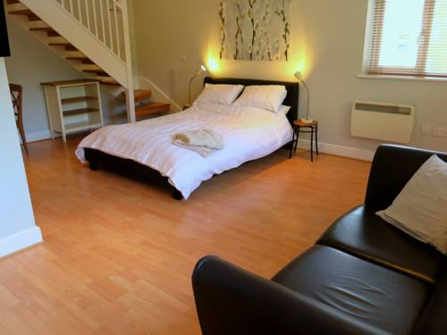Private Space In Central Woodbridge Cover Picture