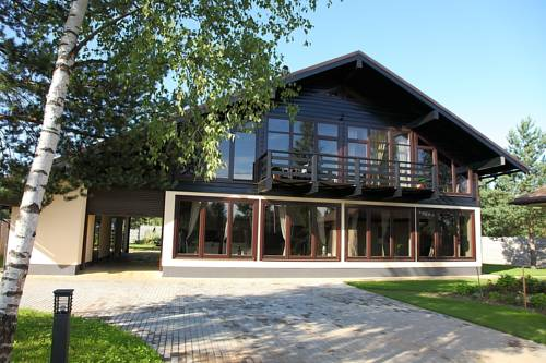Mon Chalet Cover Picture