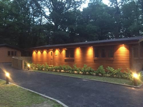 Oak Lodge Cover Picture