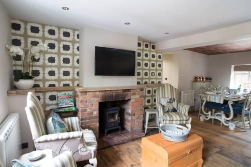 No33 Thornham Cottages Cover Picture