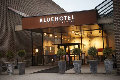 Blue Hotel Cover Picture