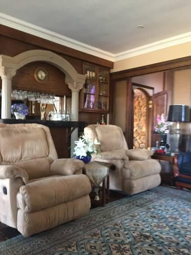 Eagles Nest Estate Cover Picture
