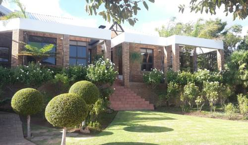 Luxurious home stay on Golf Estate Cover Picture