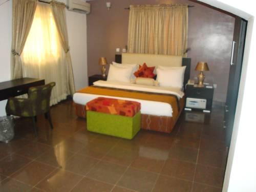 Suru Express Hotel GRA Cover Picture