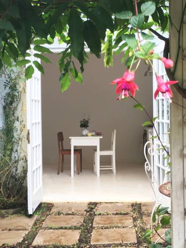 Lilac Cottage Kloof Cover Picture