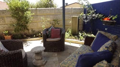 Relax, bright & airy garden Villa Cover Picture