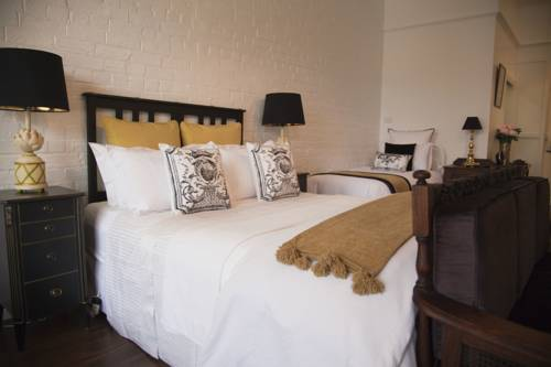 Chiltern Cottage and Indigo Suite Cover Picture