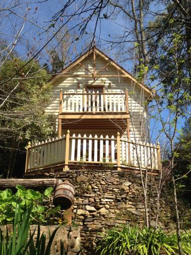 Aldgate Creek Cottage Bed and Breakfast Cover Picture