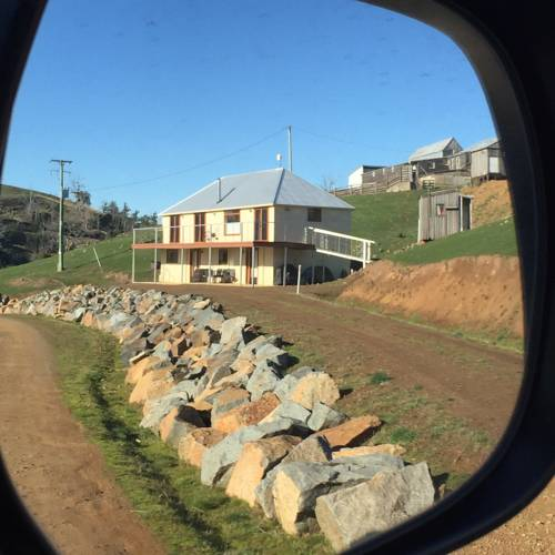 28 gates Luxury Farmstay and Fishery Cover Picture