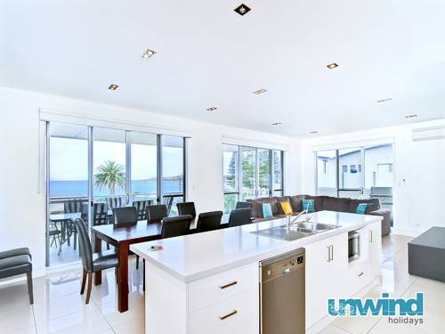 Strangway Whale Views Beach House Cover Picture