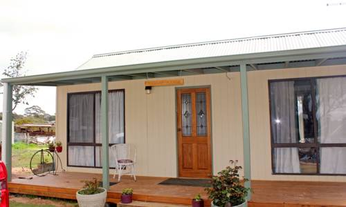 Clunes Farmstay - Rejuvenate Stays Cover Picture