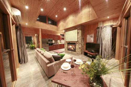 Stonehill Retreat - Private, Secluded, Luxury Cover Picture