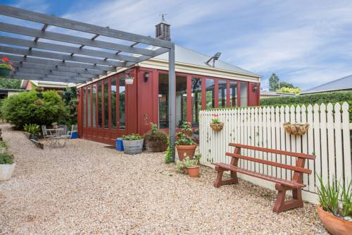 Lancefield Guest House Cover Picture