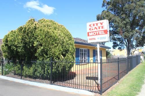 City Gate Motel Cover Picture