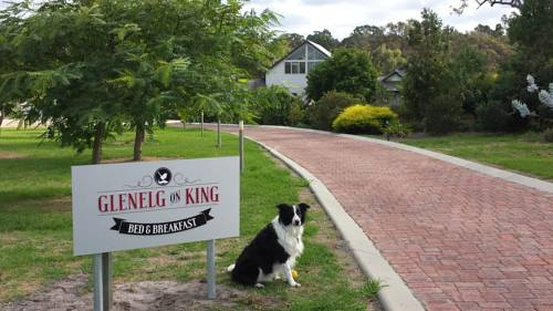 Glenelg on King Bed & Breakfast Cover Picture
