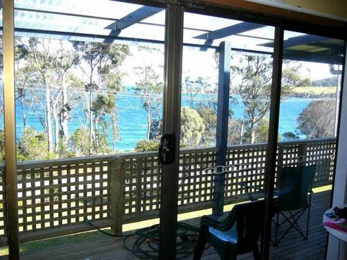 Sommers Bay Beach House Cover Picture