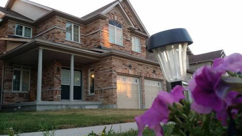 Fully Furnished House in Markham Cover Picture