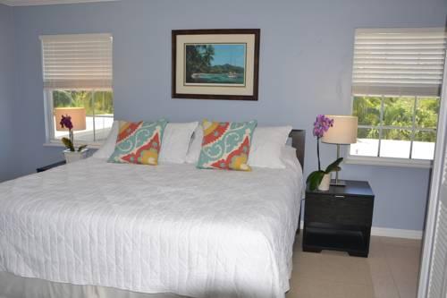 Sea Turtle Inn Cover Picture