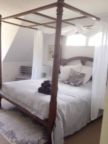Chidiah Retreat Bed and Breakfast Cover Picture