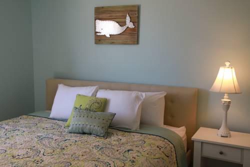 Sandy Shore Motel Cover Picture